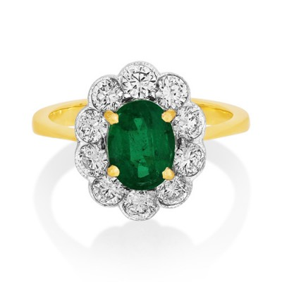 emerald ring 1.05ct. set with diamond in cluster ring smallest Image