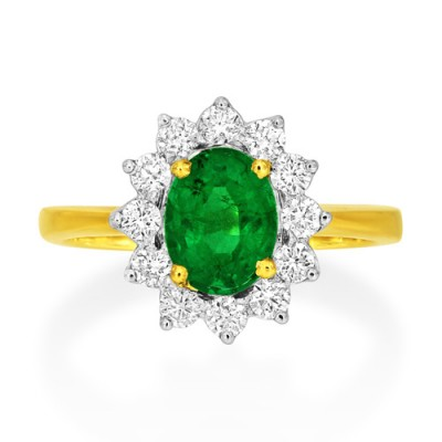 emerald ring 0.97ct. set with diamond in cluster ring smallest Image
