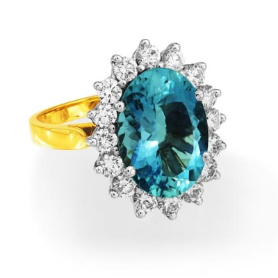 Nayum Aquamarine and diamond Ring in 18Ct. Yellow Gold