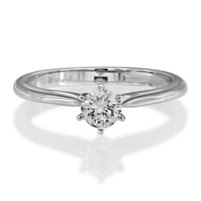Nayum Diamond Ring in Platinum