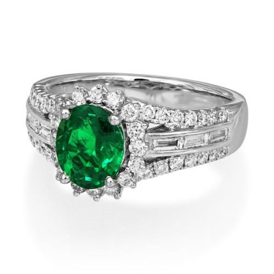 emerald ring 1.31ct. set with diamond in cluster ring smallest Image
